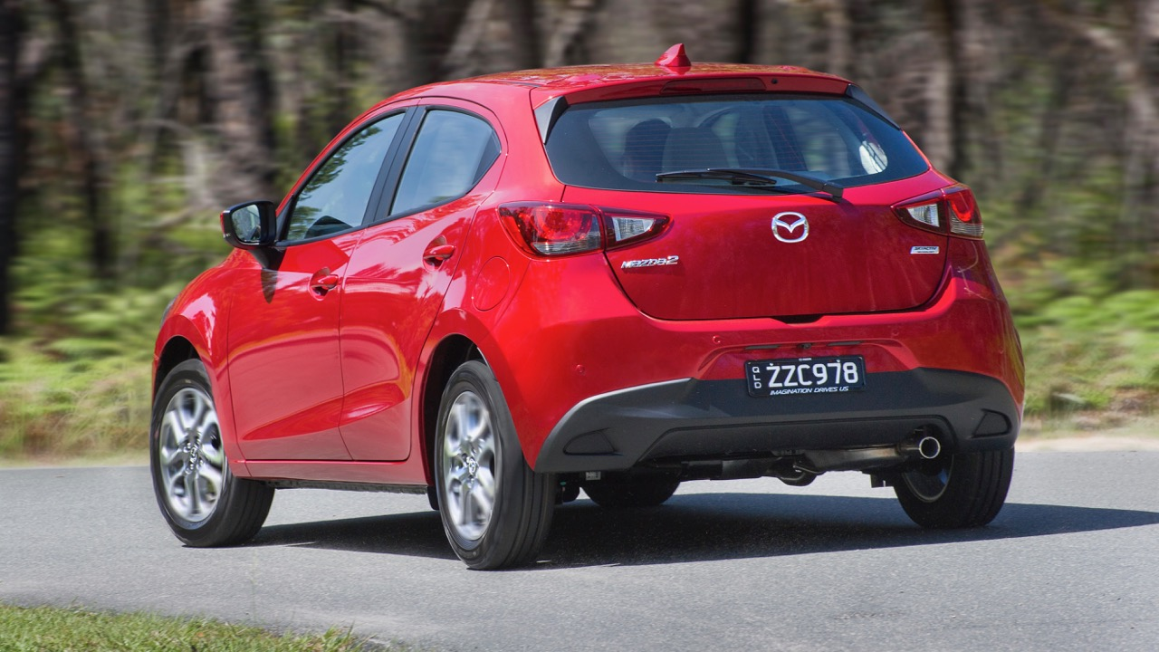 2017 Mazda 2 GT Hatch – Chasing Cars