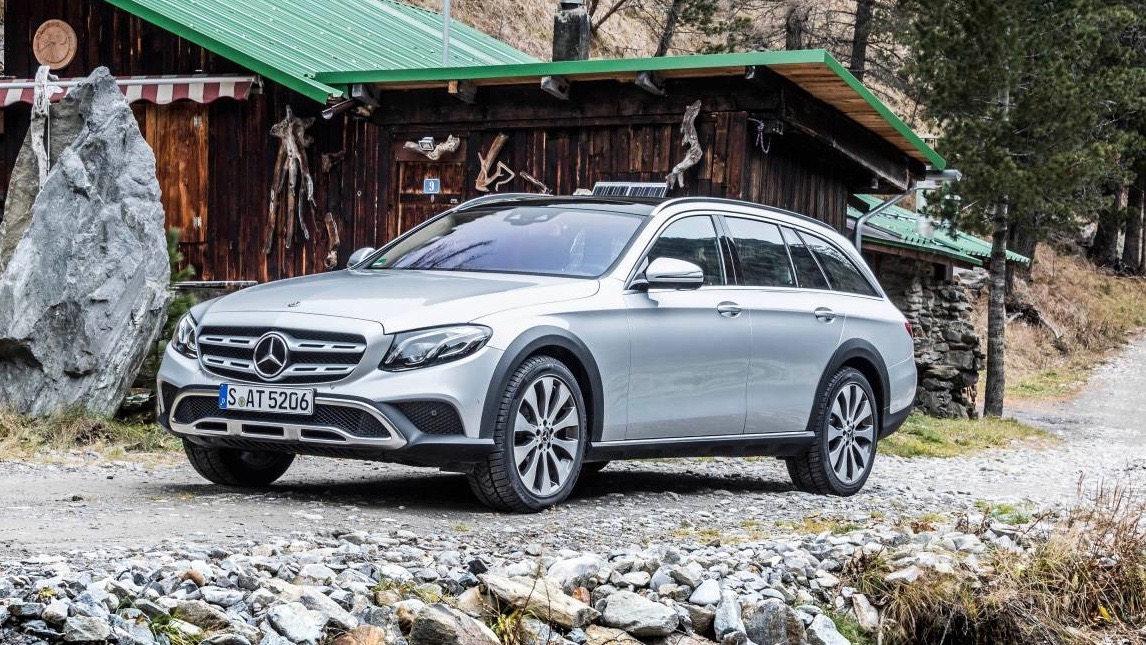 2017 Mercedes-Benz E220d All Terrain silver front