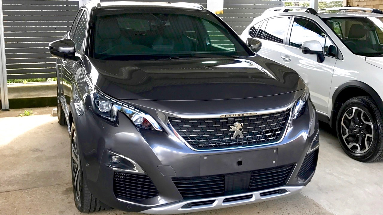 2017 Peugeot 3008 GT grey front