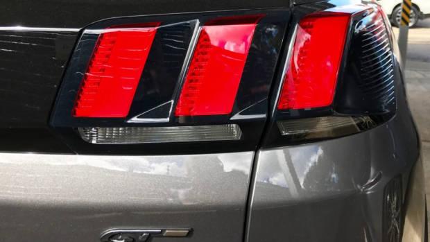 2017 Peugeot 3008 GT-Line grey tailight
