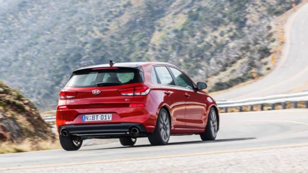 2017 Hyundai i30 SR Premium Rear End Driving