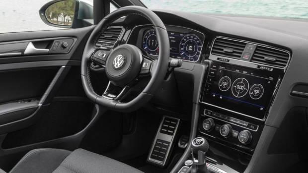 2017 Volkswagen Golf R 7.5 Interior – Chasing Cars