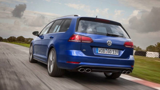 2017 Volkswagen Golf R 7.5 Wagon – Chasing Cars