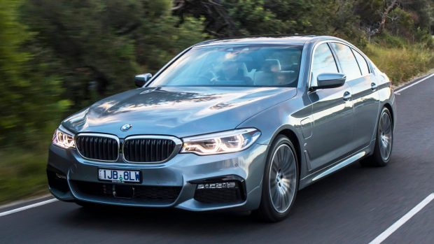 2017 BMW 530e Hybrid Front End Driving – Chasing Cars