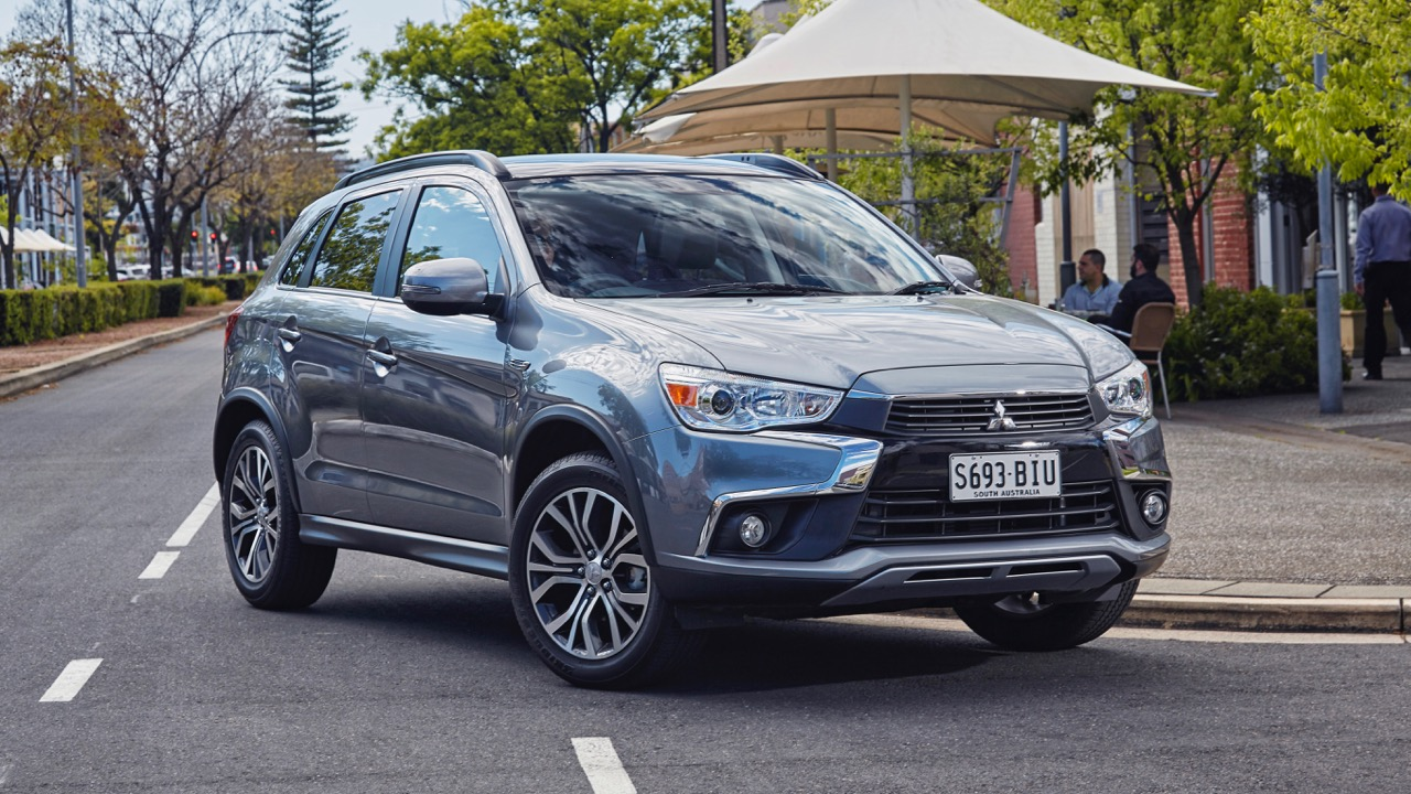 2017 Mitsubishi ASX Silver Front End – Chasing Cars