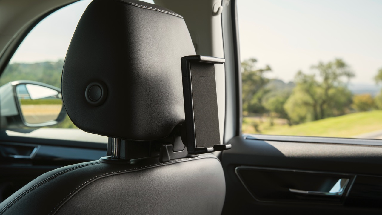 2017 Skoda Kodiaq Australia tablet holder – Chasing Cars