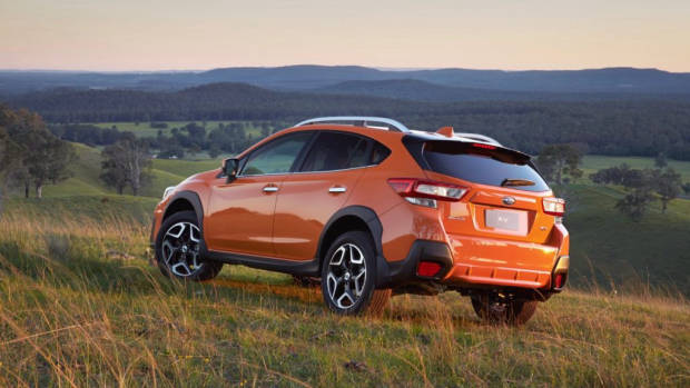 2018 Subaru XV 2.0i-S Orange rear end – Chasing Cars