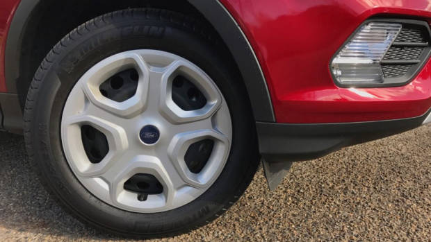 2017 Ford Escape Ambiente Ruby Red Steel Wheels – Chasing Cars