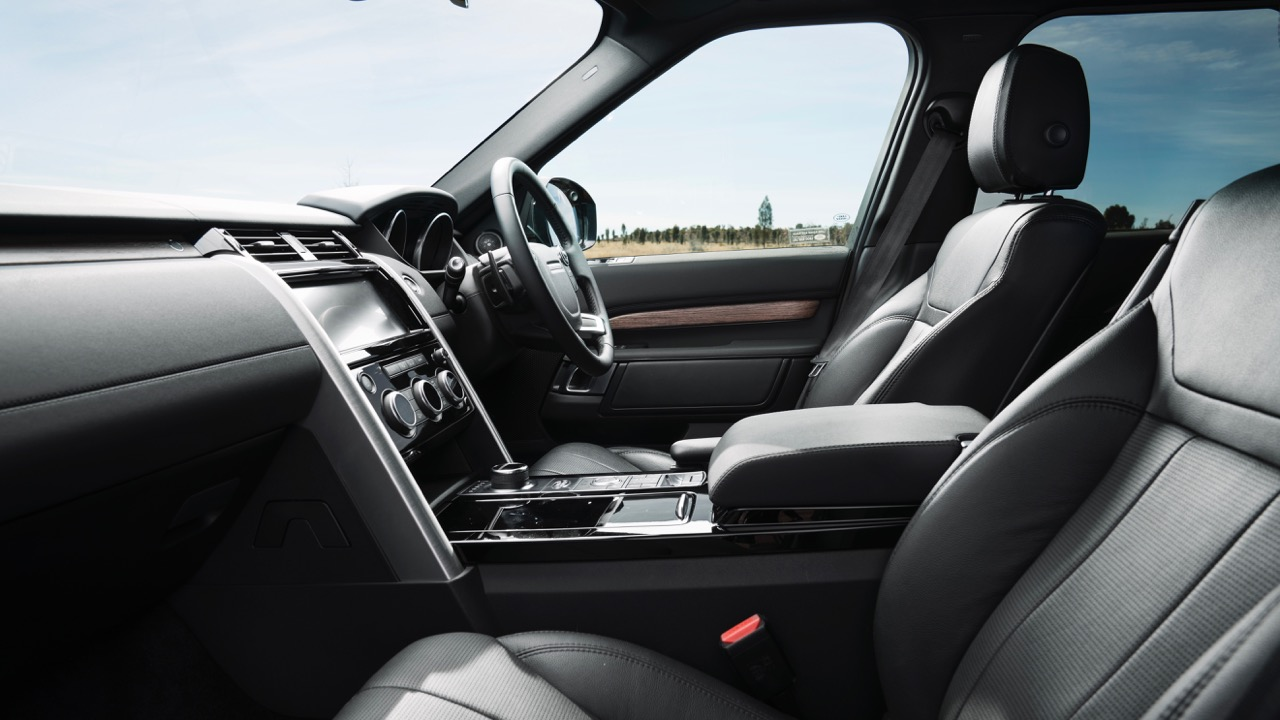 2017 Land Rover Discovery Black Leather Interior –Chasing Cars