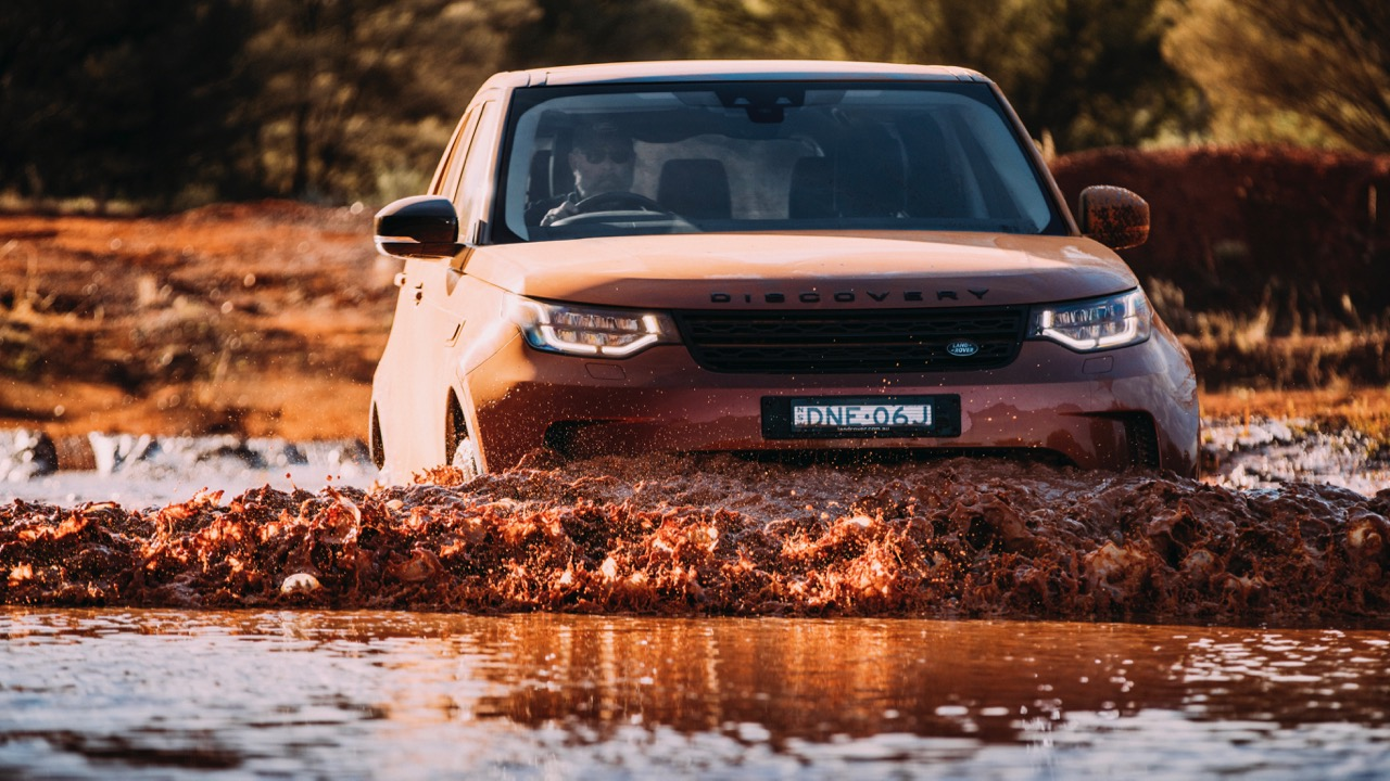 2017 Land Rover Discovery First Edition Namib Orange Wading Depth –Chasing Cars