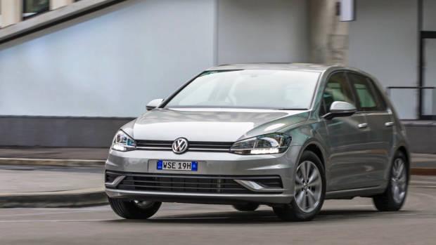 2017 Volkswagen Golf 7.5 110TSI Comfortline Driving – Chasing Cars