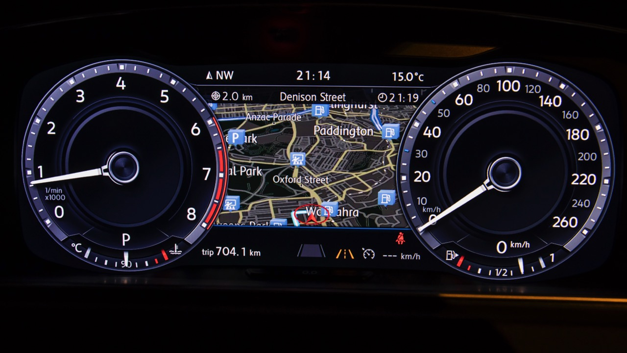 2017 Volkswagen Golf 7.5 Active Info Display – Chasing Cars