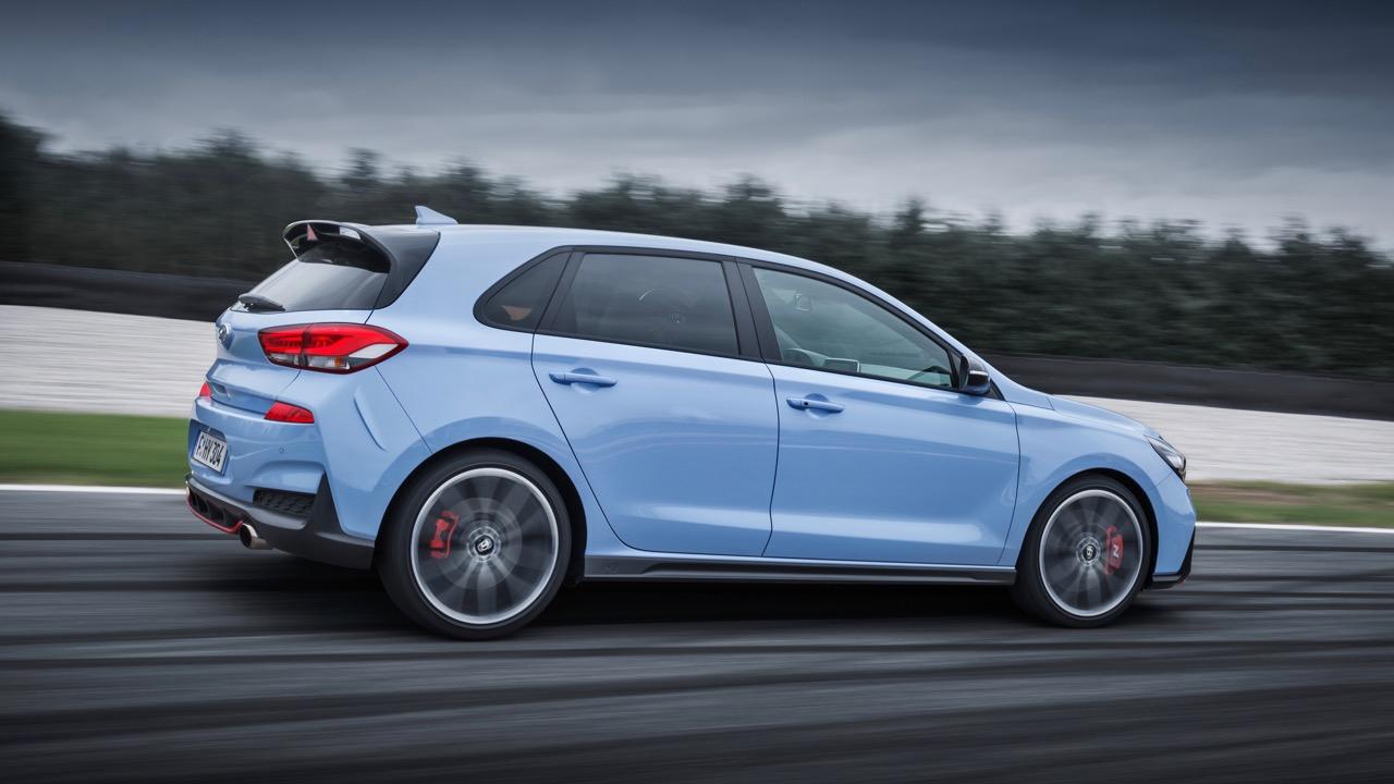 2018 Hyundai i30 N Performance Blue Side Profile – Chasing Cars