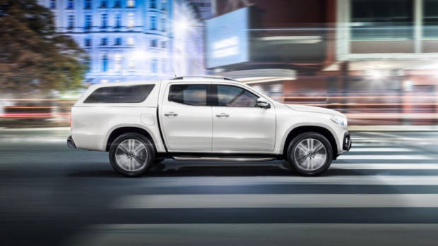 2018 Mercedes-Benz X-Class white side canopy