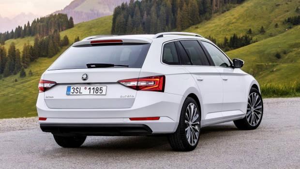 2018 Skoda Superb wagon white rear
