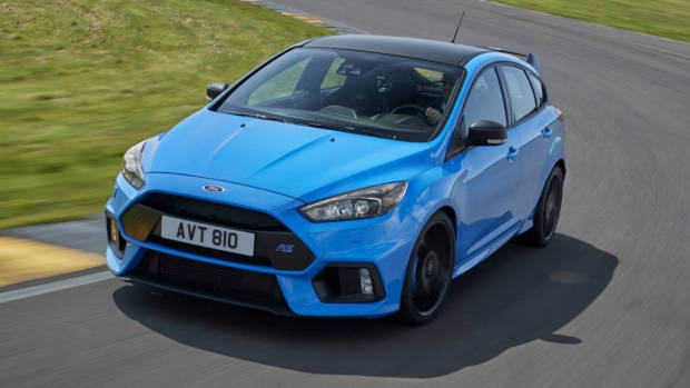2017 Ford Focus RS limited edition front cornering