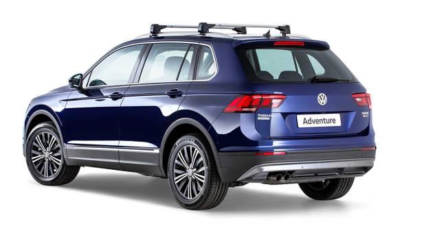 2017 Volkswagen Tiguan Advanture Atlantic Blue rear