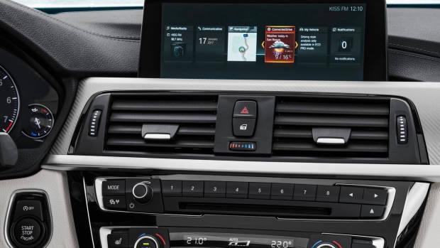 2018 BMW 3 Series interior iDrive 6