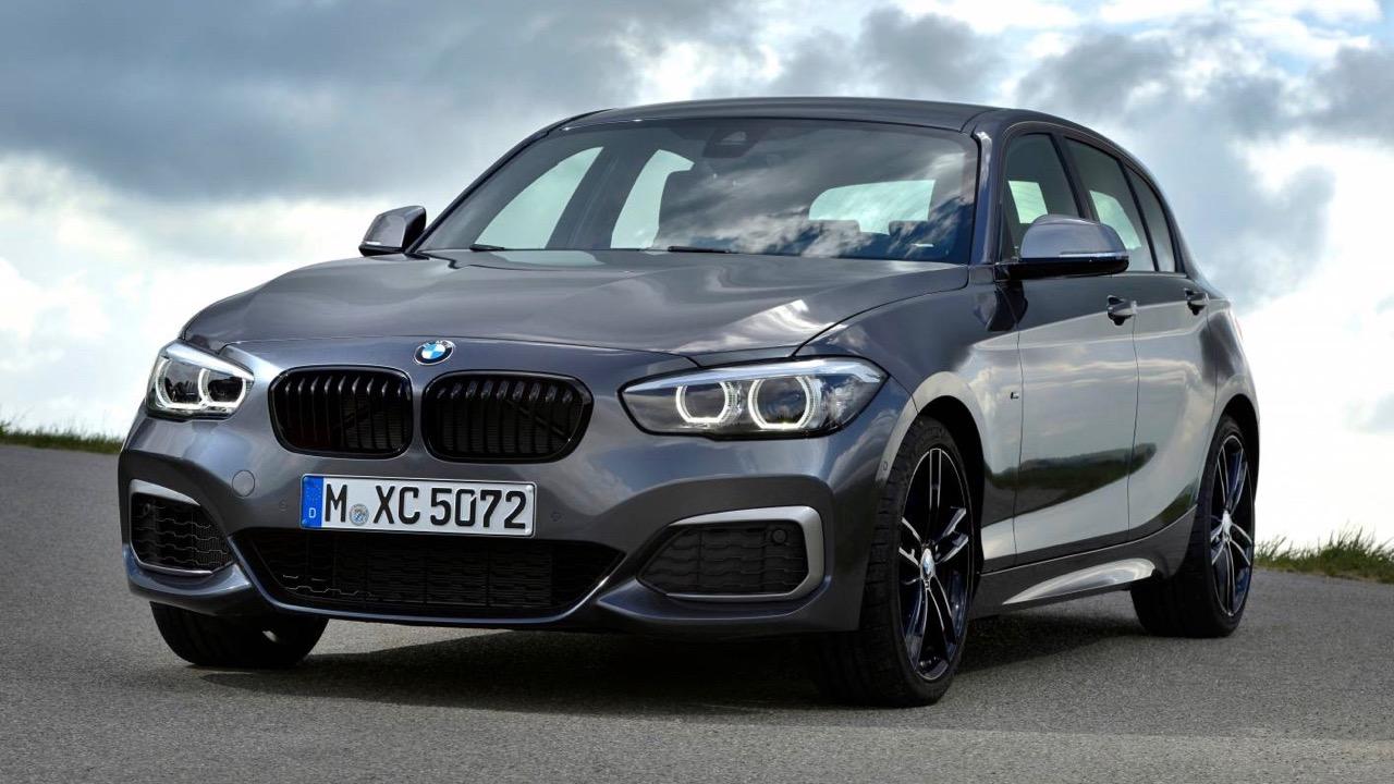 2018 BMW M140i grey front side