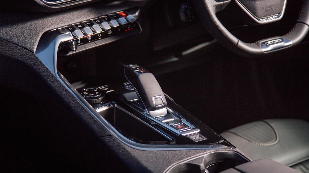 2018 Peugeot 3008 Gear Shifter