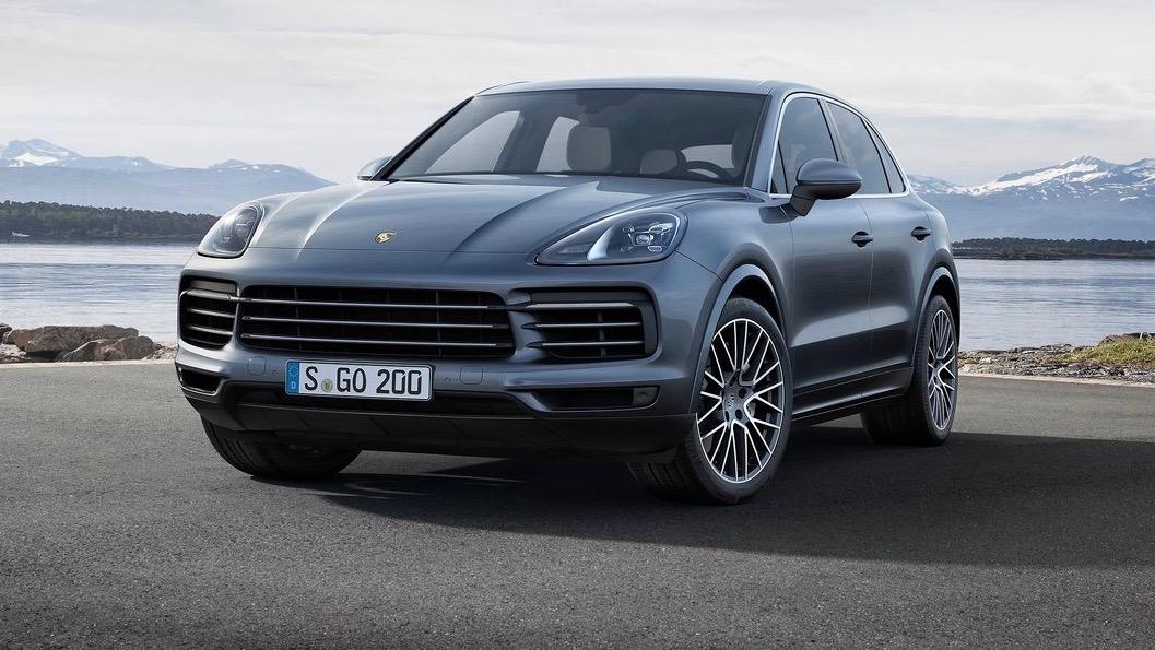 2018 Porsche Cayenne blue front