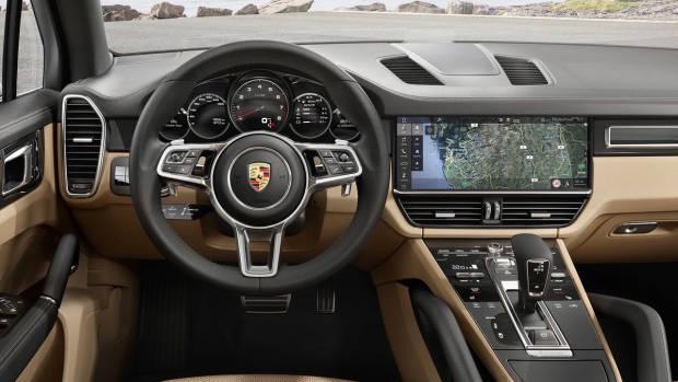 2018 Porsche Cayenne dashboard