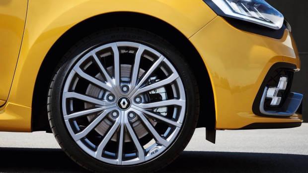 2018 Renault Clio R.S. yellow front wheel