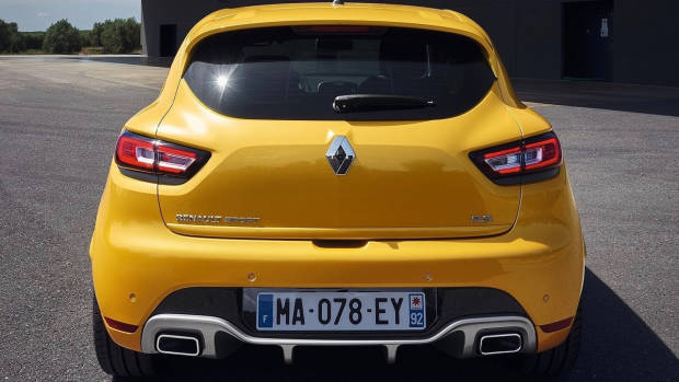 2018 Renault Clio R.S. yellow rear