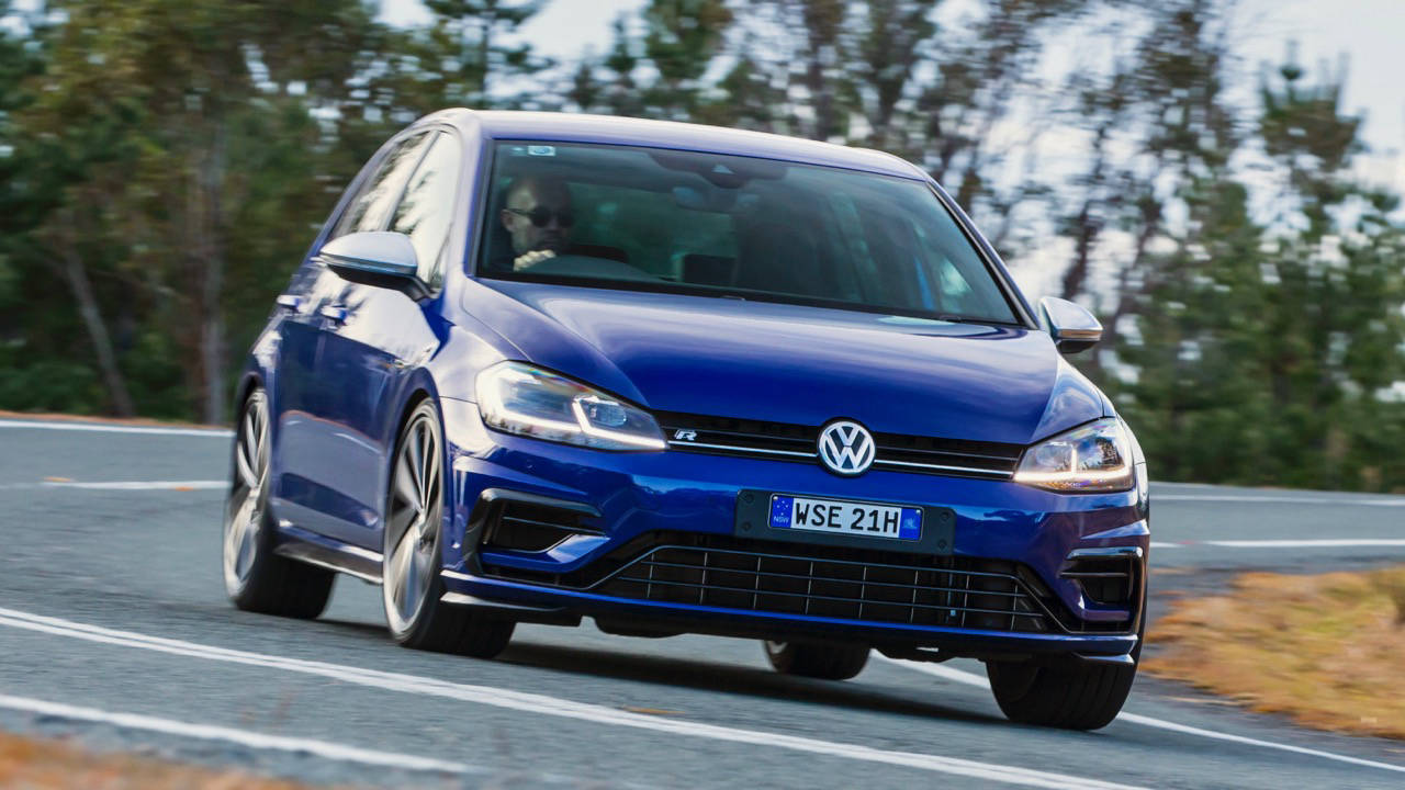 2018 Volkswagen Golf R Mk 7.5 Lapiz Blue Front End Driving