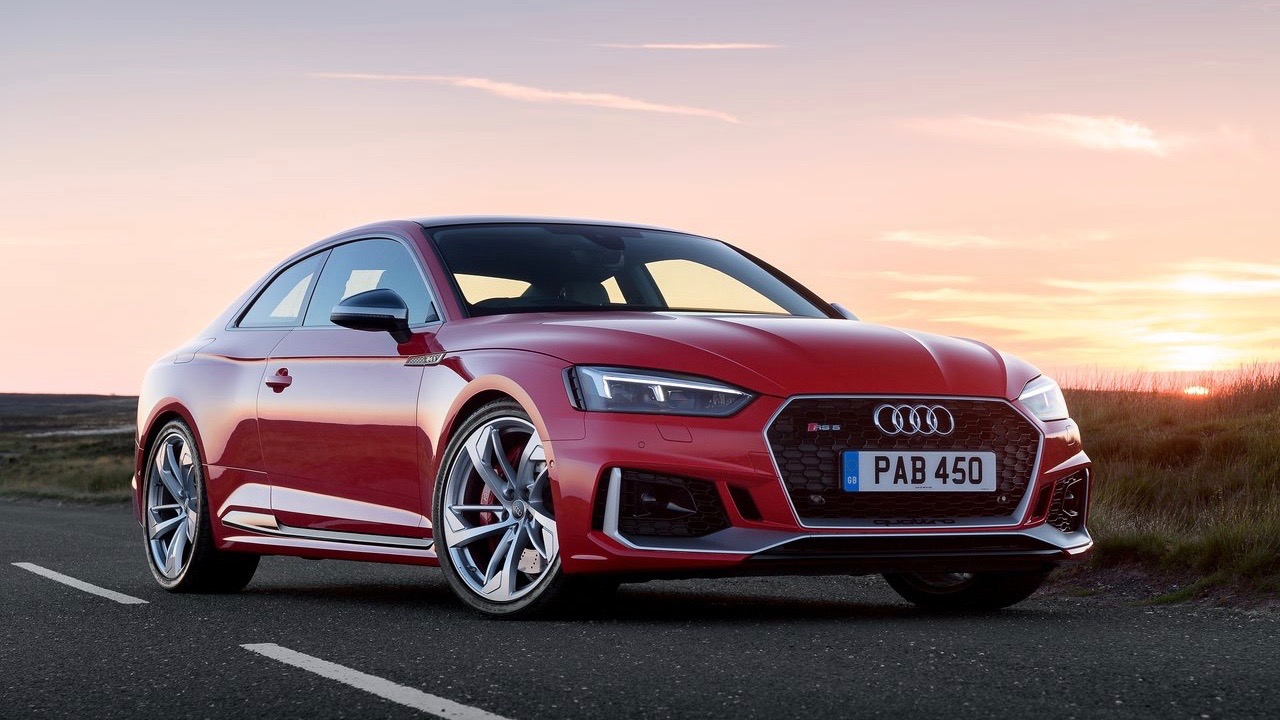 2018 Audi RS5 Coupe red front