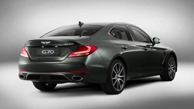 2018 Genesis G70 grey rear