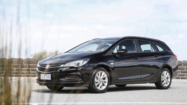 2018 Holden Astra Sportwagon black front