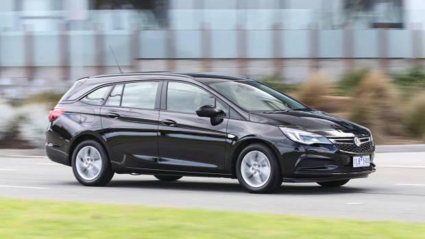 2018 Holden Astra Sportwagon black side