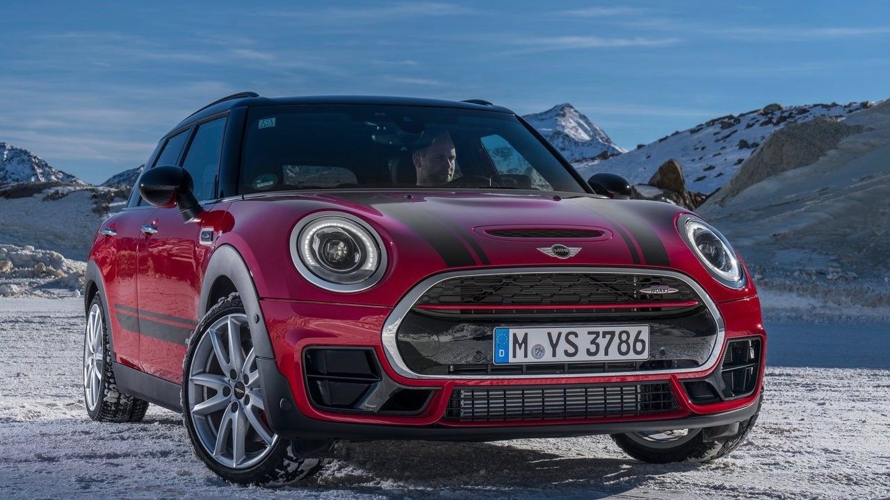 2018 MINI JCW Clubman red front