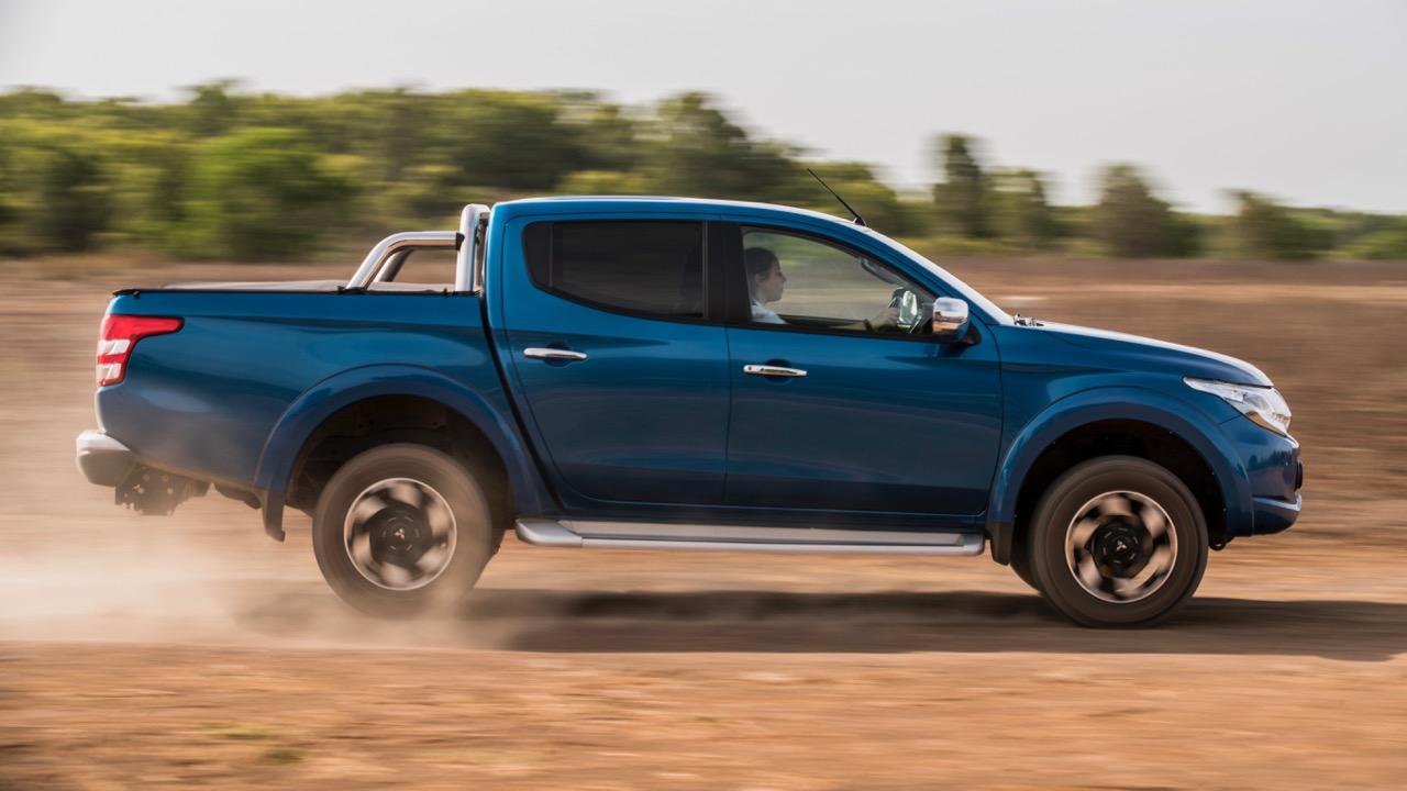 2017 Mitsubishi Triton Exceed Impulse Blue Driving Dirt