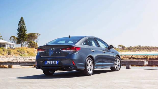 2018 Hyundai Sonata Active rear