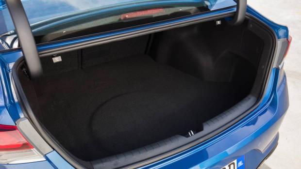 2018 Hyundai Sonata Premium boot