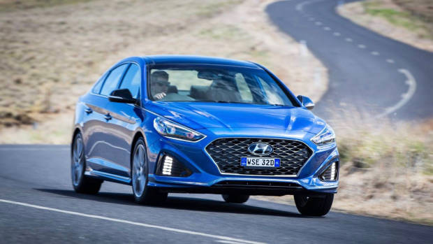 2018 Hyundai Sonata Premium front 3/4 driving