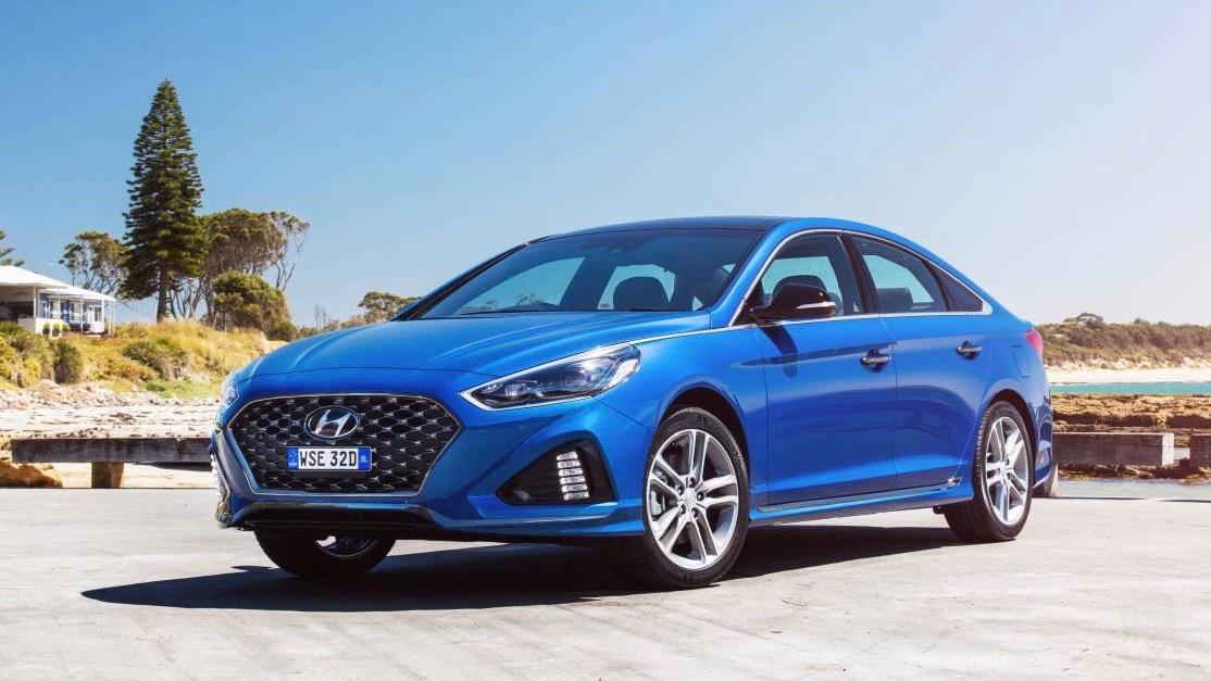 2018 Hyundai Sonata Premium front 3/4