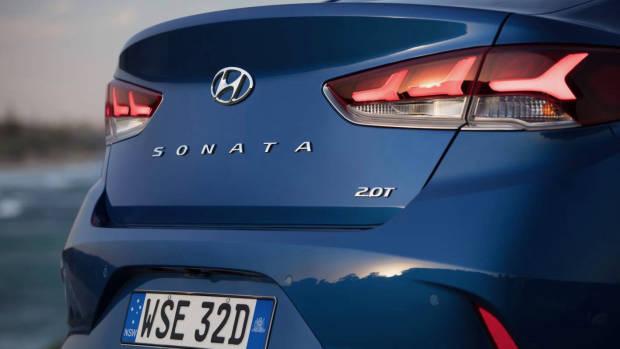 2018 Hyundai Sonata Premium rear detail