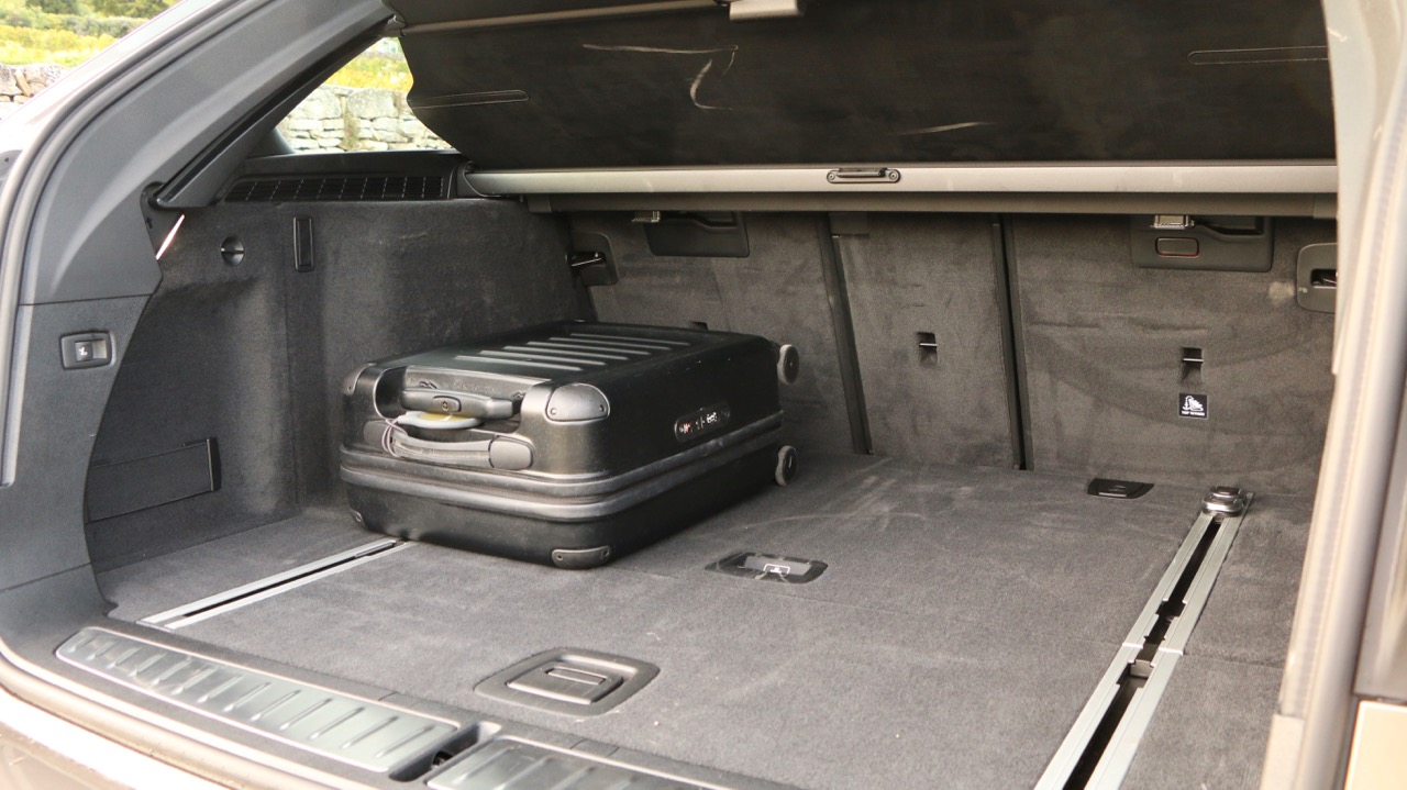 2018 BMW 5 Series Touring G31 Boot Space