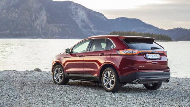 2018 Ford Edge Titanium rear