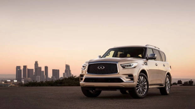 2018 Infiniti QX80 champagne front detail