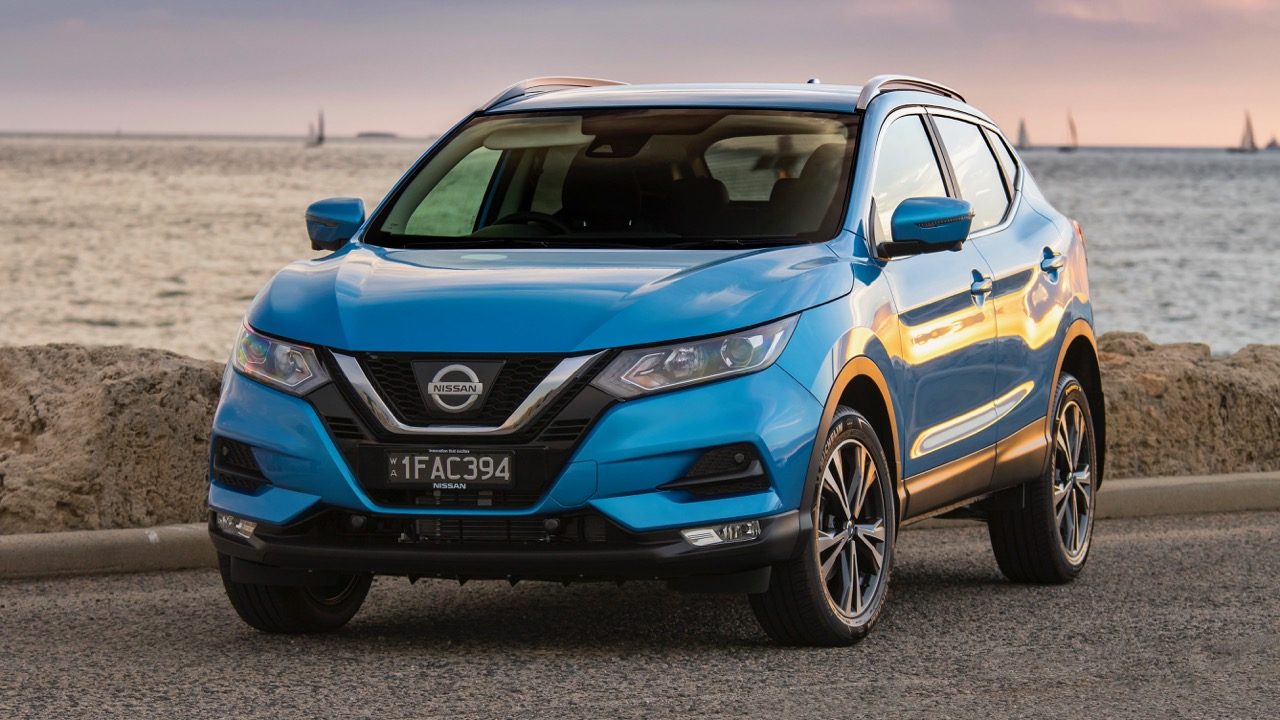 2018 Nissan Qashqai ST-L Vivid Blue Front End