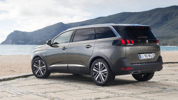 2018 Peugeot 5008 GT brown rear