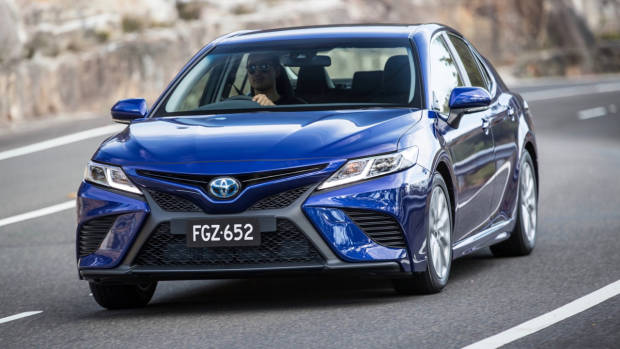 2018 Toyota Camry Ascent Sport Blue Front End Driving