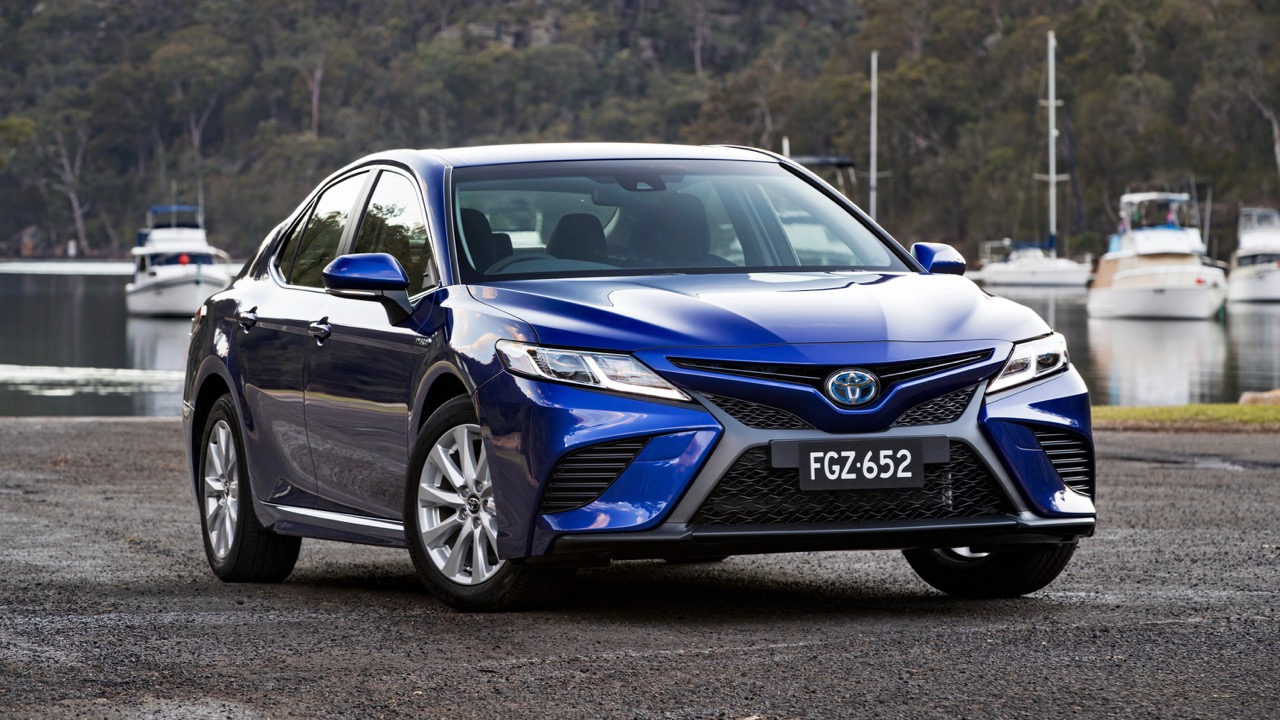 2018 Toyota Camry Ascent Sport Blue Front End