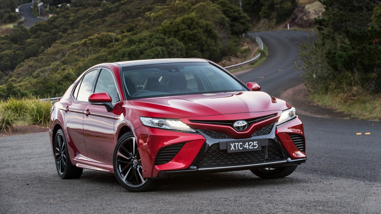 2018 Toyota Camry SX V6 Red Front End