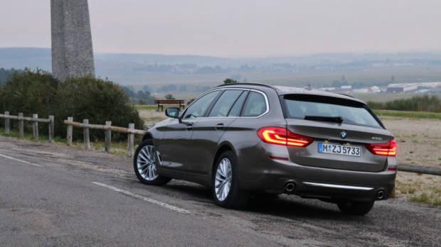 BMW 5 Series Touring Atlas Cedar Rain