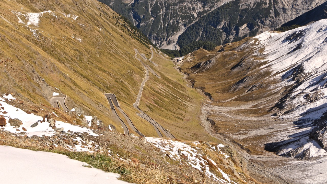 Stelvio Pass Italy Chasing Cars